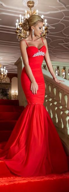 Fascino Corpo Fashion,Beauty,Landscape,Home Designe,Sexy Girls. Beautiful Evening Gowns, Beautiful Prom Dresses, Evening Dresses, Red Fashion, Fashion Beauty, Fashion Ideas, Trendy Dresses, Nice Dresses, Formal Dresses