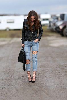 OOTD - síťované punčochy a roztrhané džíny   fishnet tights and ripped jeans