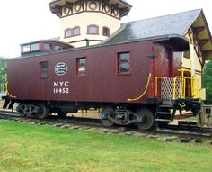 NY Central wooden caboose at the Chatham, MA railroad museum. New York Central Railroad, Railroad History, Travel Office, Train Times, Model Train Layouts, Train Tracks, Model Trains, Locomotive, Cape Cod
