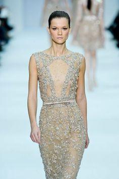 Elie Saab deslumbra con su nueva colección de Vestidos de Fiesta y Trajes de Noche.