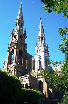 Basílica Nuestra Señora de Lourdes, Santos Lugares, Buenos Aires