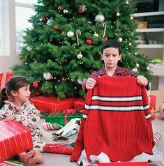 Boy Photos, Christmas Colors, Rough Cut, Still Image, Color Themes, Boy Or Girl, Collection, Boys, Christmas Morning