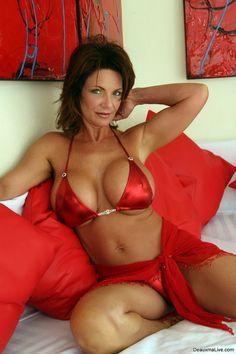 Hot Cougar Deauxma