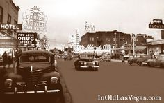 Las Vegas c. Fremont St between & Grand Hotel on the left (current-day Four Queens). Eat at Wimpy's Drive-In on the right, where Fremont Hotel is today. Fremont Street, Las Vegas Images, Old Vegas, Events Place, Vegas Shows, Hotel Motel, Vegas Casino, Las Vegas Weddings, Cars