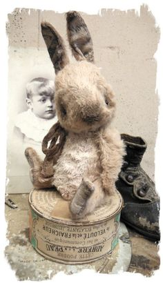 Antique Style ★ TiNY CHUBBY Old Cream White RABBIT vintage ★Whendi Bears: