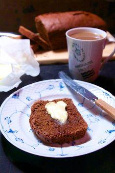 Ølkage - måske verdens nemmeste kage og et smut tilbage til barndommen. En god undskyldning for at spise smør på din kage.