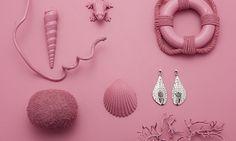 Faszinierende Meeresbewohner: Diese Schmuckstücke sind von dem spannenden Erscheinungsbild der Seeigel inspiriert. Kleine Vertiefungen und zarte Kugeln ziehen sich als feines Muster über die organische Oberfläche. Bestellungen bitte an energetix.ch@bluewin.ch Gratis Versand innerhalb die Schweiz