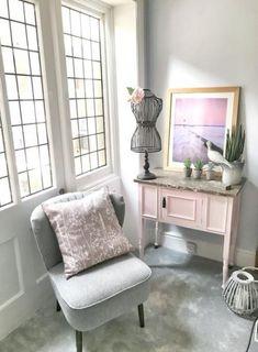 Trendy Bedroom White Carpet Plants Ideas – Pamela's World Beige Carpet Bedroom, White Bedroom, White Carpet, Patterned Carpet, Silver Carpet, Accent Wall Bedroom, Bedroom Decor, White And Gold Decor, Cost Of Carpet