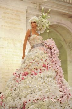 dress made of all flowers! Amazing!