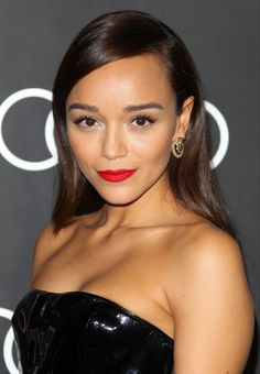 Ashley Madekwe and 8 other celebrities who do their own makeup (and have incredible results!)