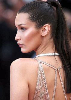 Image uploaded by mka . Find images and videos about model and bella hadid on We Heart It - the app to get lost in what you love. Style Bella Hadid, Bella Gigi Hadid, Jessica Chastain, Blake Lively, Bella Hadid Makeup, Isabella Hadid, Glamour, No Photoshop, Pretty Makeup