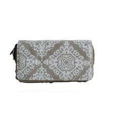 LARGE PURSE WITH BEIGE CREST PATTERN