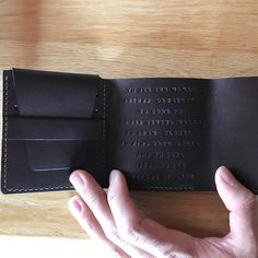 Mens Bifold wallet Pattern - Small pocket wallet - Digital Template File - Not the actual Wallet. Leather Tobacco Pouch, Full Grain Leather Wallet, Leather Bifold Wallet, Leather Men, Billfold Wallet, Pocket Wallet, Long Wallet, Walter Mitty, Stitching Leather