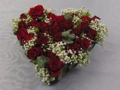 Valentinstag Geschenk gehört für mich zu den schönsten Bräuchen, um eine geliebten Person seine Zuneigung zu zeigen. Es gibt viele Wege dies zu zeigen und eine ist: unsere Idee! Ein Gesteck welches…