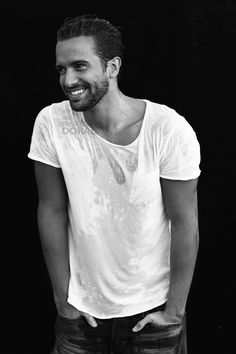 Pablo Alborán Pretty Men, Gorgeous Men, Beautiful People, Its A Mans World, Posing Guide, Beauty Full Girl, Well Dressed Men, Celebs, Celebrities
