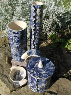 blue and white lace pots
