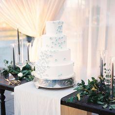 Wedding Cake Inspiration | Lowndes Grove Plantation | Charleston, SC