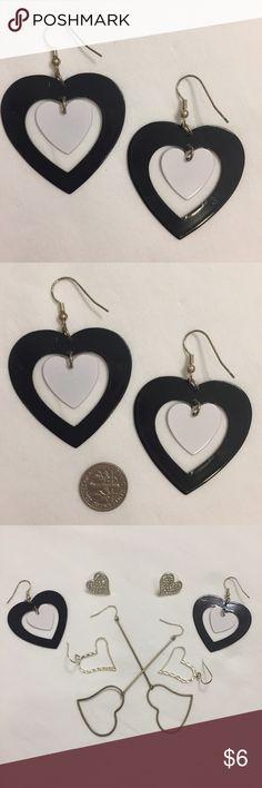 Black and white heart dangle earrings Black and white heart dangle earrings, metal 🖤  7️⃣1️⃣ Jewelry Earrings