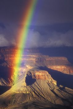 Grand Canyon Rainbow - somewhere over the rainbow Love Rainbow, Over The Rainbow, Rainbow Promise, Rainbow Photo, Beautiful World, Beautiful Places, Beautiful Pictures, All Nature, Amazing Nature