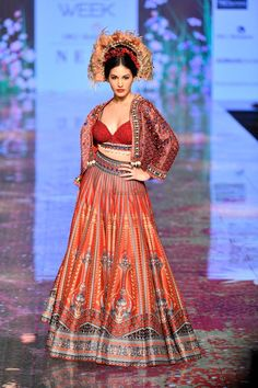 Rajdeep Ranawat at Lakmé Fashion Week summer/resort 2020 Lakme Fashion Week, Fashion Weeks, Yellow Lehenga, Vogue India, 2020 Fashion Trends, Blouse Designs, Runway, Bohemian, Bridal