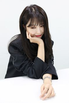 Kpop Girl Groups, Korean Girl Groups, Kpop Girls, Eunji Apink, 1 Film, Eun Ji, Uzzlang Girl, Korea Fashion, Meme Faces