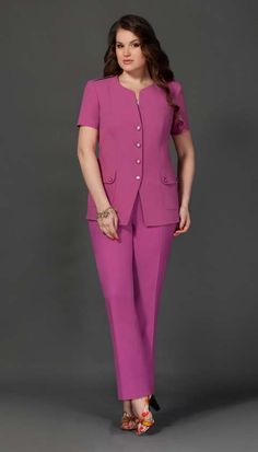 Costumes for full fashionistas belarusian company lissana spring summer 2015 Suits For Women, Clothes For Women, Casual Dresses, Fashion Dresses, Plus Size Blazer, Classy Suits, Looks Plus Size, Summer 2015, Spring Summer