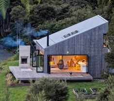 Back Country House by LTD Architectural « Inhabitat – Green Design, Innovation, Architecture, Green Building Accordion Glass Doors, Casas Containers, Cabins In The Woods, Bungalows, Style At Home, Open House, Tiny House, House 2, Small Houses