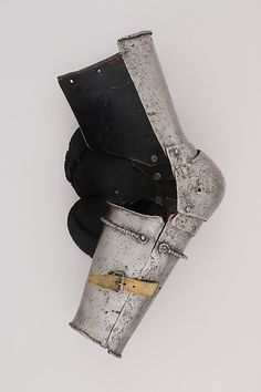 Upper Arm Defense (Rerebrace) and Elbow Defense (Couter)