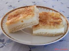 """Sypaný kokosový koláč s tvarohem: """"Ideální koláč pro ty kteří neradi tvoří těsto."""" Vanilla Cake, Cheesecake, Sweet, Food, Candy, Cheesecakes, Essen, Meals, Yemek"""