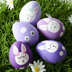 Bunny Easter eggs - egg decorating - Easter bunny - egg painting eggs animals Arts and Crafts Store Painted Rock Animals, Painted Rocks Craft, Rock Painting Ideas Easy, Rock Painting Designs, Easter Crafts, Holiday Crafts, Rock Crafts, Arts And Crafts, Egg Rock