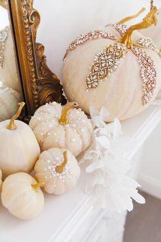 Velvet Pumpkins, White Pumpkins, Painted Pumpkins, Fall Pumpkins, Halloween Pumpkins, Halloween Crafts, Diy Pumpkin, Pumpkin Crafts, Baby In Pumpkin