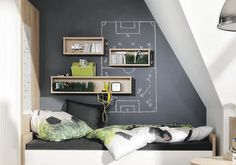 Tafelfarbe im Jugendzimmer: Definitiv eine coole Idee. Chalkboard color in the youth room: Definitely a cool idea. Youth Rooms, Kids Rooms, Small Wall Mirrors, Decor Inspiration, Ideas Geniales, Kids Corner, Boy Room, Home Furniture, Family Room