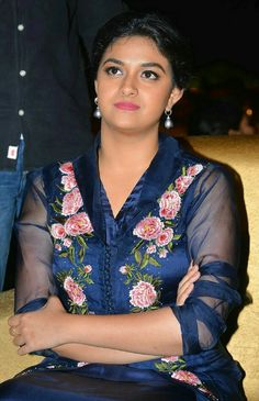 Keerthi Suresh Beautiful Girl Indian, Most Beautiful Indian Actress, Beautiful Actresses, Lovely Girl Image, India Beauty, Woman Crush, Indian Wear, Bollywood Actress, Indian Actresses