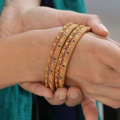 Designed to showcase the minimalist grace and beauty, Tarinika's bangles complement the statement 'less is more'. Gold Bangles Design, Gold Earrings Designs, Gold Jewellery Design, Ring Designs, Halo, Gold Mangalsutra Designs, Pandora, Silver Bracelets, Bangle Bracelets