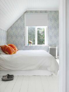 bedroom + white and grey + wallpaper White Bedroom, Dream Bedroom, Bed N Bath, Home Interior Design, Interior Stylist, Interior Inspiration, Decoration, Furniture, Home Decor