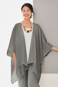 Ibis Linen Jacket by Go Lightly . With its ethereal drape in airy linen, this jacket adds polish to all manner of warm-weather looks and makes a graceful layer for day or night. Vip Dress, Dress Up, Kimono Fashion, Fashion Outfits, Chic Fashionista, Linen Jackets, Summer Outfits, Summer Clothes, Nice Dresses