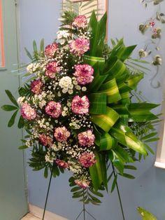 Arreglo Floral: Corona Funeraria