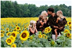 Love the sunflower family picture