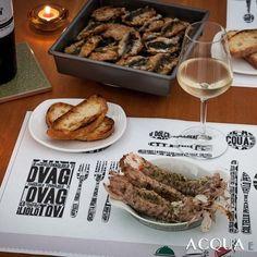 Metti un giorno l' #artusiacena: un tuffo nel passato e nella tradizione con ricette sorprendentemente attuali. Noi abbiamo preparato #maccheroni napoletani con le #sarde #canocchie ripiene e #crescentine (una sorta di #bruschetta). Oggi sul blog #acquaementa il racconto della #cena e le #ricette #pellegrinoartusi #artusi #italianfoodcalendar #italianfood #c52artusi @calendar_52 #dinner #fish