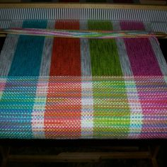 Fun summer blanket weaving project.