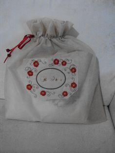 Embalagem do trilho de mesa!! Blog: www.saldaterrapatchwork.blogspot.com Face: Renata Deichsel