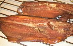 Smoked whitefish recipe (Smoked Whole Chicken) Braai Recipes, Meat Recipes, Seafood Recipes, Recipies, Seafood Meals, Seafood Dishes, Smoked Whitefish Recipe, Charcuterie, Smoked Fish