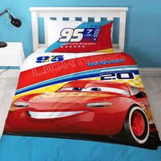 Single duvet cover bedding set with Cars 3 branding. Comes with one pillowcase. Duvet size: 135cm x 200cm. Pillowcase size: 50cm x 75cm. Fabric: 50% Cotton, 50% Polyester. This is an official product.
