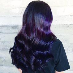 Dark purple and black ombre hair Black Purple Ombre, Dark Purple Hair, Pink Ombre Hair, Best Ombre Hair, Dyed Hair Purple, Brown Ombre Hair, Hair Color Purple, Blue Hair, Purple Tips