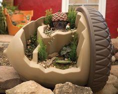 Oversize Acorn Planter