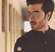 Feroze Khan is a Pakistani actor, model and former video jockey. Born in Quetta, he began his career as a VJ on ARY Musik and then became a model. Pakistani Dramas, Pakistani Actress, Pakistani Models, Maira Khan, Feroz Khan, Boy Photography Poses, Boys Dpz, Stylish Girl Pic, Cute Actors