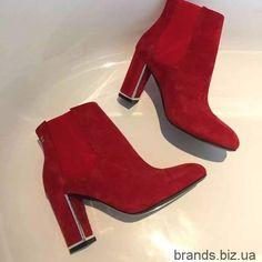 Ботинки Chanel на каблуке. Модная обувь известных брендов.Качественные реплики Chanel Chloe Dior Dolce Gabbana FendiGucci Hermes Louis Vuitton.