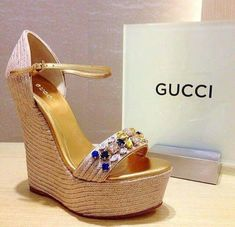 Que dizem?Eu digo,GUCCI fala por si...! That say? I say GUCCI speaks for itself...!