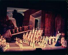 Scene from Margherita Wallmanns production of Verdis Aida, Royal Opera House, Covent Garden, London, 1957