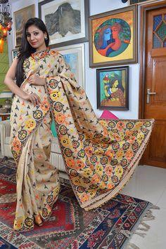 Sampa Das - Revivalist of the Golden Muga silk of Assam Assam Silk Saree, Indian Silk Sarees, Traditional Sarees, Traditional Dresses, Saris, Indische Sarees, Purple Saree, Beautiful Women Over 40, Woman Outfits